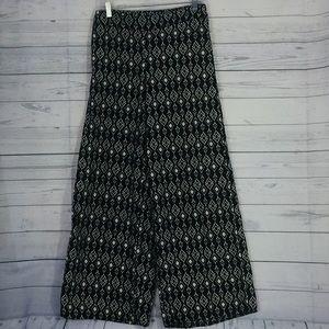 Pants - Black and White Geo Print Lounge Pants Size 10